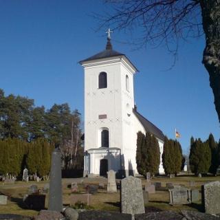 Den vackra gråstenskyrkan i Harg