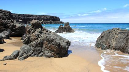 Abgelegen und wild: die Playa del Esquinzo.