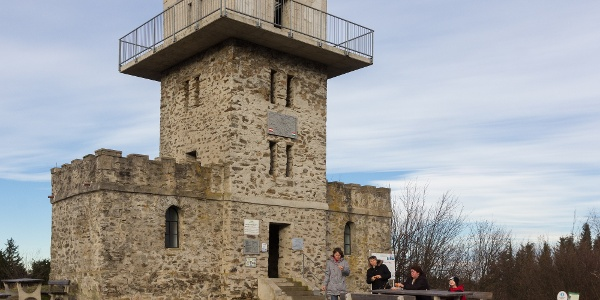 The trailhead of the Blue Trail: lookout tower at Írott-kő peak