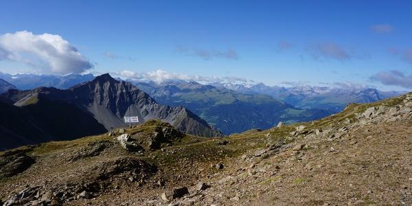 Lenzerhorn und Alp Sanaspans