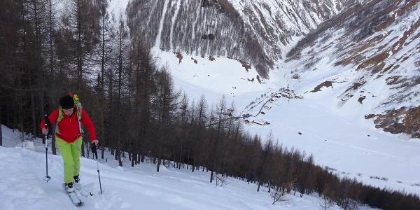 Am Übergang ins freie Gelände, unten Kasern und das Kluppental.