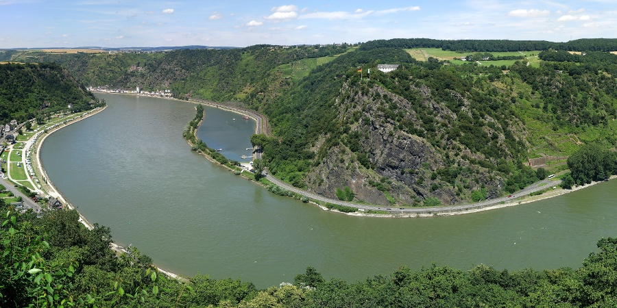 Sight of the Loreley Maria near Urbar