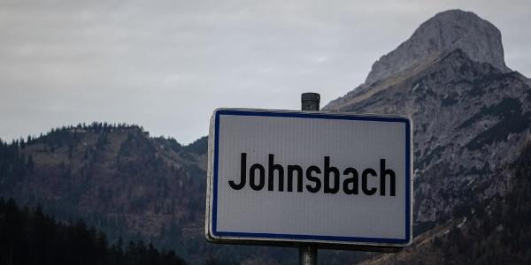 Ortseingang Johnsbach: Für den Admonter Reichenstein, rechts oben, reicht es heute nicht mehr