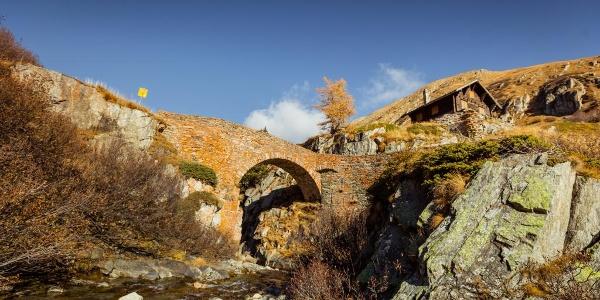 Alte Brücke bei Ladstafel