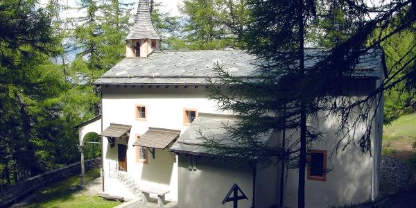 Chapelle dans la forêt au-dessus de Visperterminen.