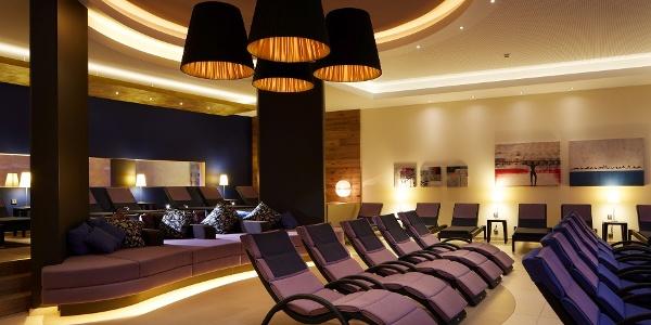 Kamin-Lounge