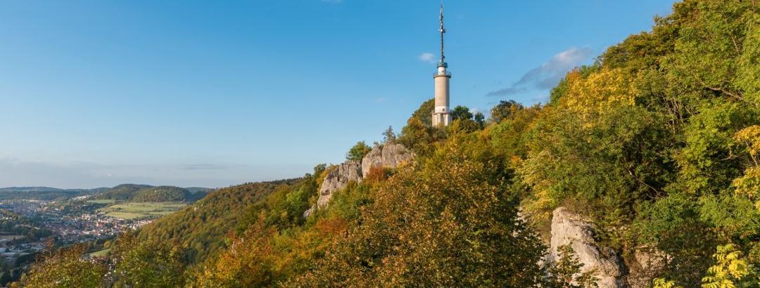 Blick zum Schlossfelsenturm Traufgang Schlossfelsenpfad