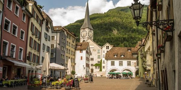 Arcas Platz mit St. Martinskirche