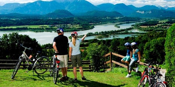 Hoch über dem Jauntal mit Blick auf Drau und Via Carinzia