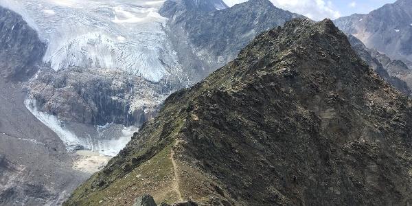 Gipfelgrat am Großen Trögler mit Blick zum Wilden Freiger