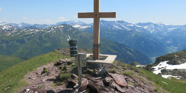 Gipfelkreuz beim Gufelstock