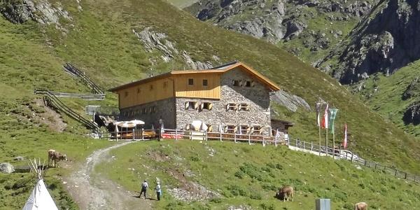 Amberger Hütte im Sommer