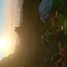 Erste Sonnenstrahlen beim Aufstieg
