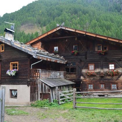 Der 700-jährige Biobauernhof der Familie Tappeiner.