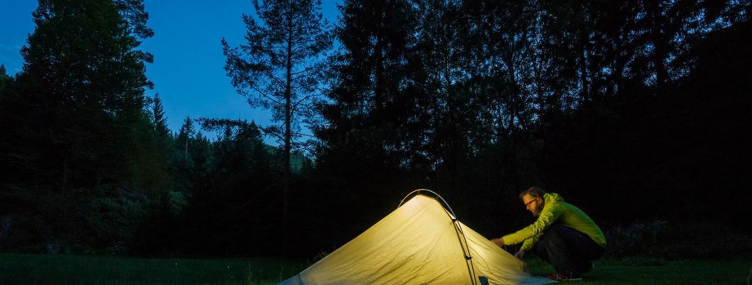 Vorbereitungen für die Nacht in den Schwarzwälder Naturcamps