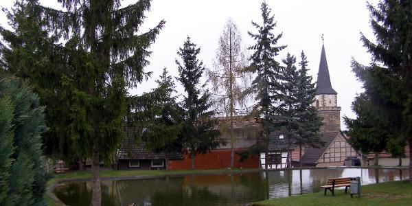 an der Kirche Seebergen