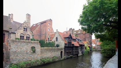 Häuser am Kanal von der Bonifaciusbrug (Bonifaciusbrücke) beim Arentshof