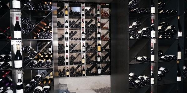 Magnumflaschen-Keller vom Restaurant Weiss Kreuz Malans