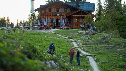 Tutzinger Hütte im Abendlicht