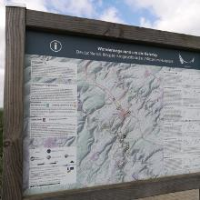 Infotafel über die verschiedenen Wanderrouten