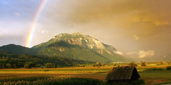 Dobratsch mit Regenbogen