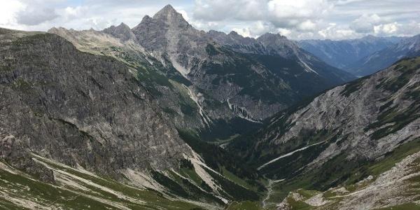Blick vom Hornbachjoch ins Hornbachtal.