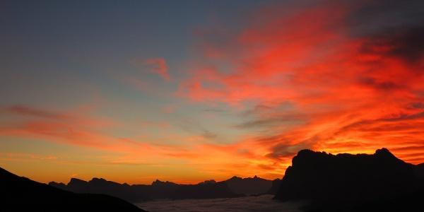 Sonnenaufgang gegen Platt- und Langkofel