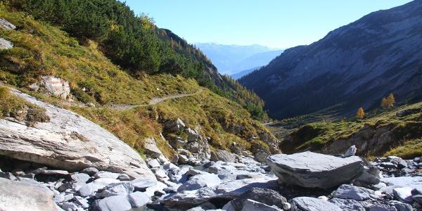 Der zuerst sehr technische Trail wird gegen unten immer flowiger