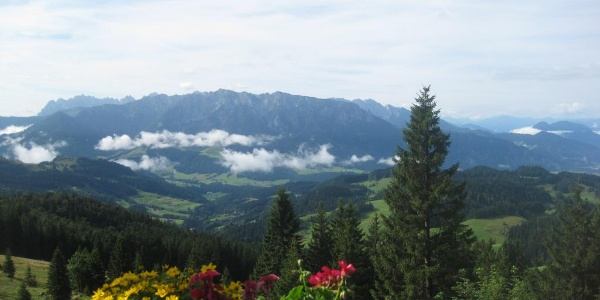 Blick von der Terrasse des Spitzsteinhauses