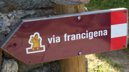 Via Francigena-Schild in Italien