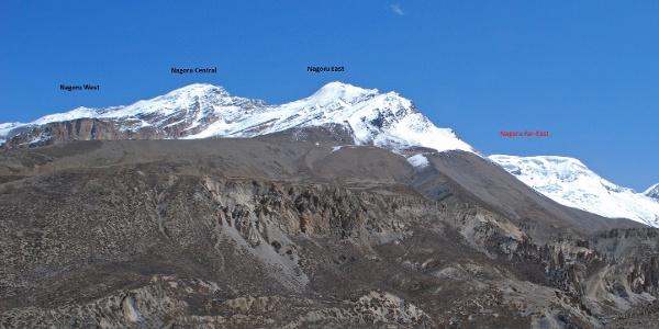 Die Nagoru Peaks über dem Tal des Jyamdau Khola