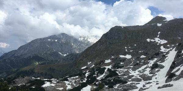 Blick nach Nordosten zum Schneibstein und Hohen Brett, am Fuß des Fagstein.