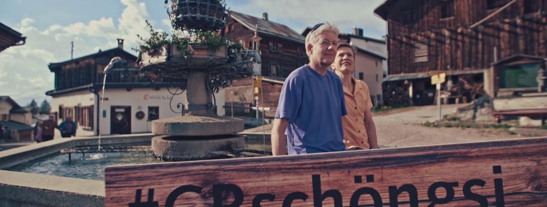 Schön gsi in Feldis: Erfrischung am Brunnen