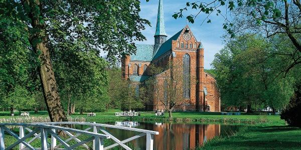 Vollendete Harmonie: Das Doberaner Münster zeigt feinste Backsteingotik.