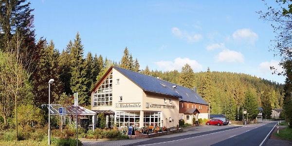 Außenansicht der Gaststätte Riedelmühle