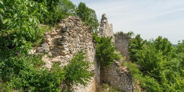 White walls of Szádvár