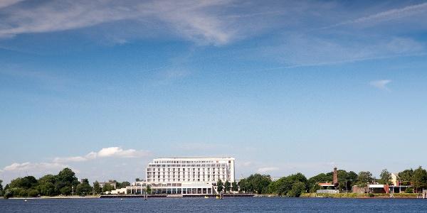 Das Atlantic Hotel Wilhelmshaven direkt am Großen Hafen gelegen