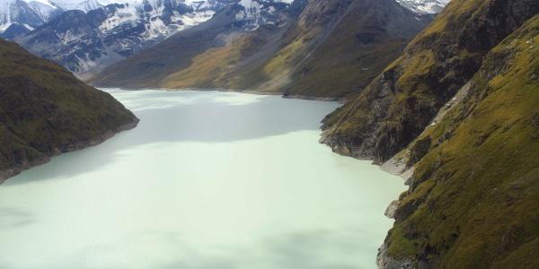 Dam lake Lac de Dix
