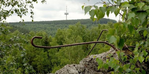 Erzbergbau prägte Siegen über Jahrtausende: Hier Reste der Grube Ameise, im Hintergrund die Eisernhardt.