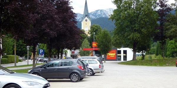 Parkplatz in Windischgarsten, Nähe Kirche und Spielplatz