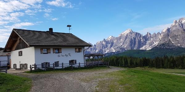 Nemes Hütte
