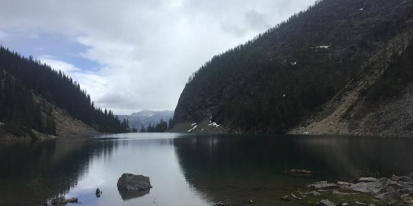 Lake Agnes Teahouse in the distance