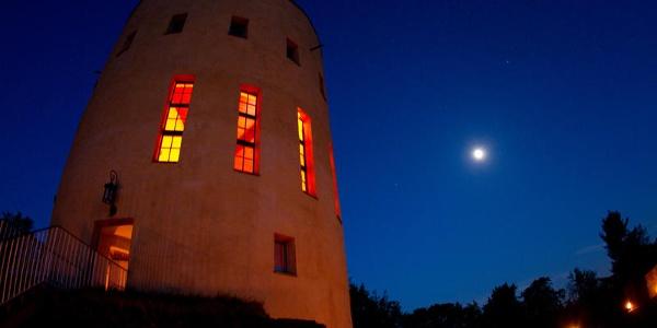 Ginsburg bei Nacht