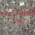 Jusi Gipfel und alter Wegstein