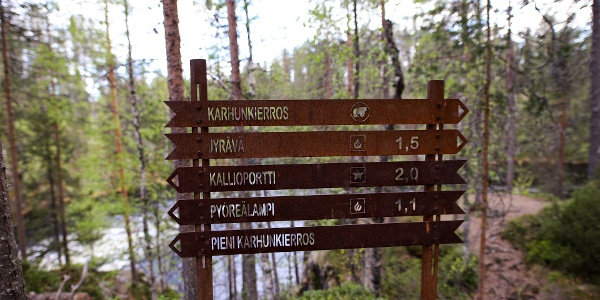 Signpost along Pieni Karhunkierros trail in Oulanka National Park