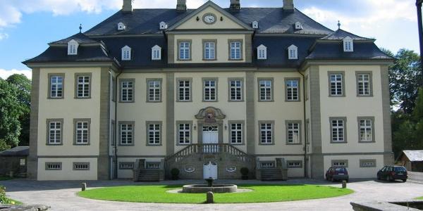 Frontansicht Barockschloss Körtlinghausen