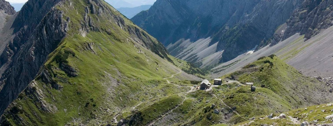 Die Lamsenjochhütte am Lamsenjoch