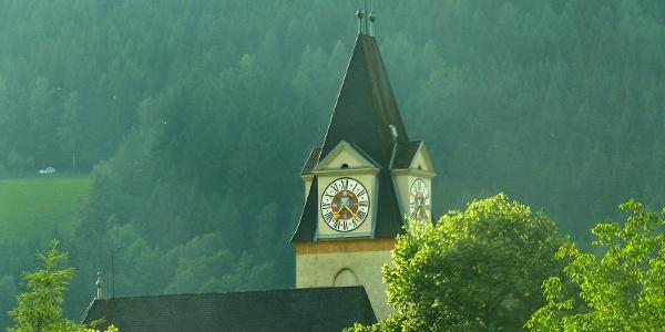 Die Andreaskirche im Ortszentrum