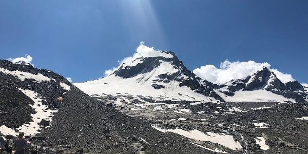 Vom Rifugio V. Emanuele würde es weitergehen zum Gran Paradiso (4.061 m, Gletscherausrüstung notwendig!)