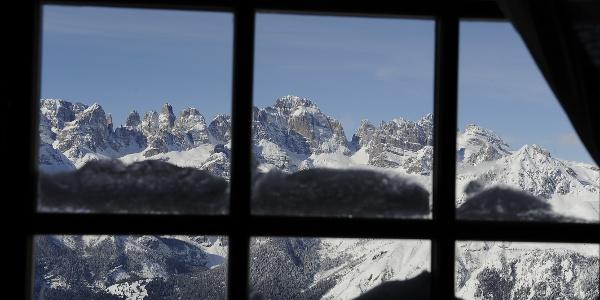 Panorama sulle Dolomiti di Brenta dal rifugio La Roda